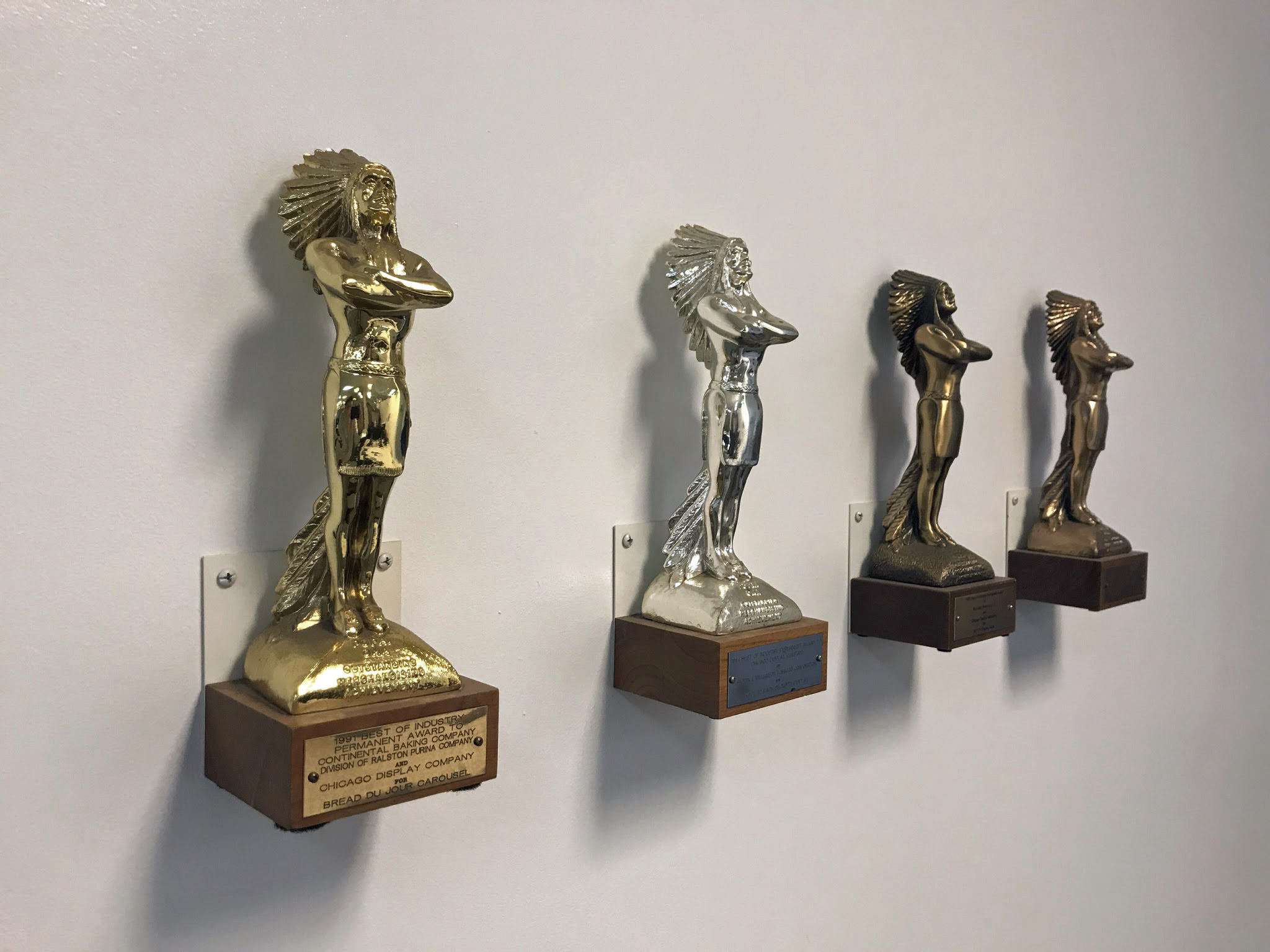 Trophies and award manufacturing and production services for companies and organizations