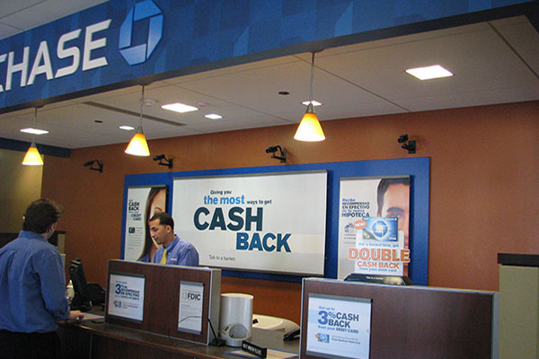 Chase Signature Display installation, Chicago Display Marketing